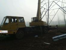 出售02年徐工12吨吊车