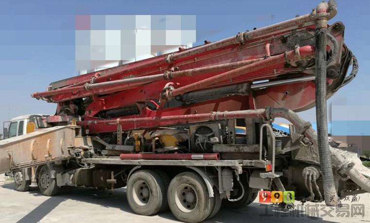 出售2010年三一五十铃48米泵车
