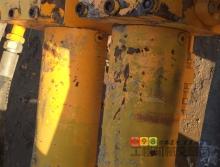 出售09年中联重科90.21.220s超高压双电机拖泵