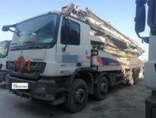 精品出售2011年中联奔驰56米泵车