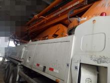出售13年出厂中联奔驰49米泵车