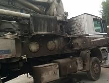 出售07年中联奔驰37米泵车