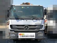 出售12年中联奔驰52米泵车