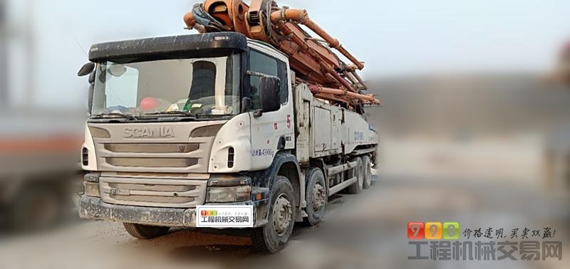 泵车  基本信息 品牌 中联重科 臂架长度 56米 汽车底盘 斯堪尼亚