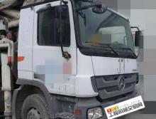 精品出售10年出厂中联奔驰47米泵车(三桥叉腿)