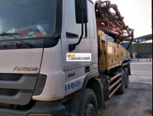 出售2010年三一奔驰40米泵车