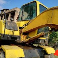 轉讓其他2011年新源輪挖65一8壓路機