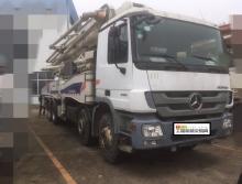 精品出售2011年中联奔驰52米泵车