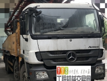 出售12年6月出厂三一奔驰6节臂56米泵车