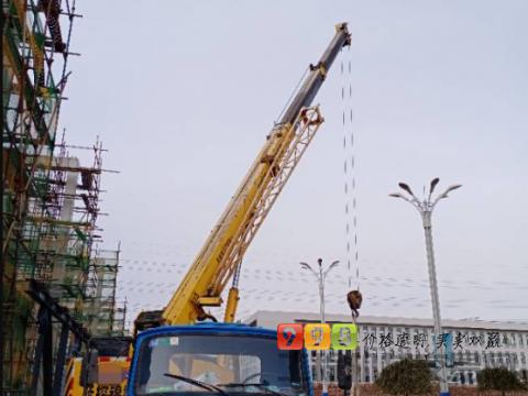 转让抚挖锦重2010年Qy8吨吊车