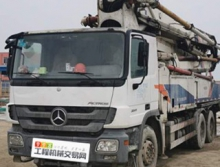 終端精品出售11年中聯奔馳47米泵車