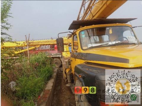 转让柳工2011年8吨吊车