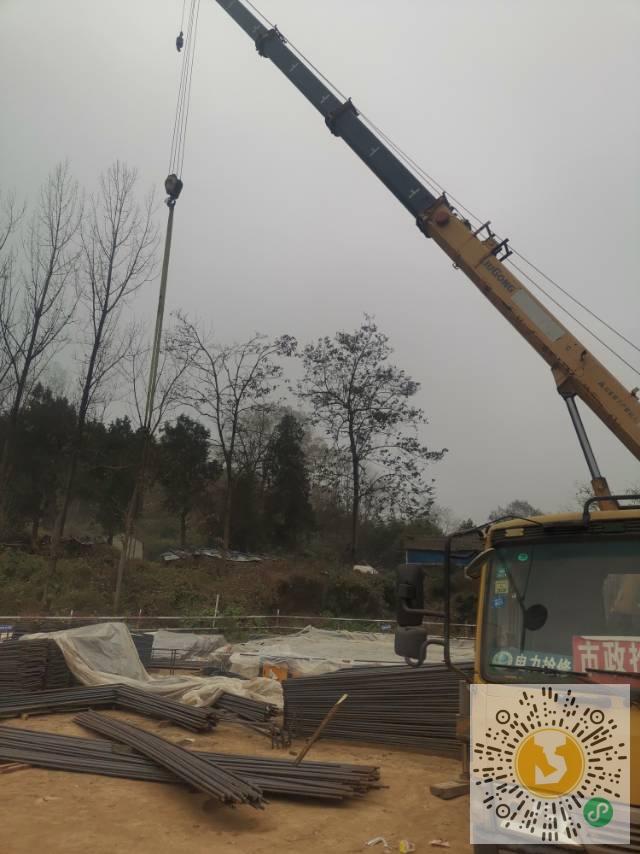 转让柳工2013年12吨吊车