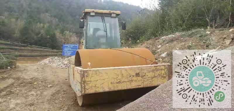 转让山东临工2009年820A压路机