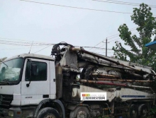 出售2005年中联奔驰47米