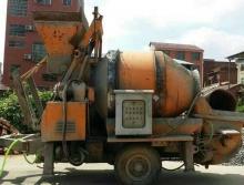 9.98万55KW140搅拌拖泵一台铲车一台