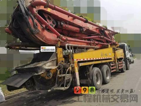 低价出售2010年三一五十铃45米泵车