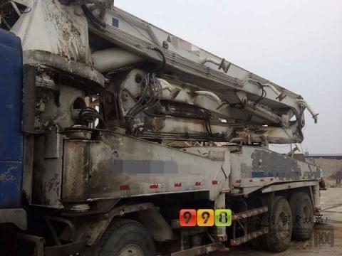 出售2005年中联沃尔沃44米泵车