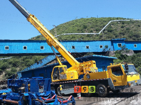 出售2010年9月长江36吨吊车A
