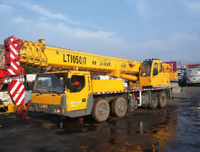 长江2010年36吨吊车
