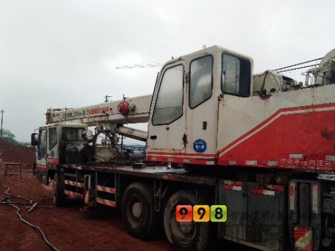 中联2007年25吨吊车