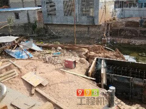 中联2010年16吨吊车