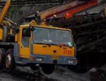 长江2006年70吨吊车