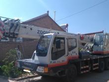 中联2009年12吨吊车