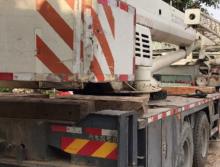 中联2012年25吨吊车
