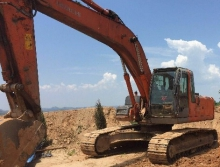 日立2008年240挖掘机