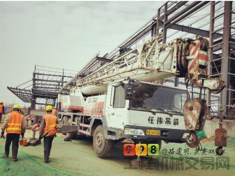 中联2010年25吨吊车