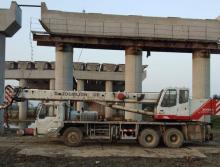 中联09年16吨吊车