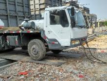中联重科2008年16吨吊车