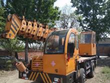 福康2015年8吨吊车