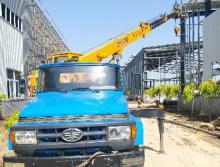 东岳2007年8吨吊车
