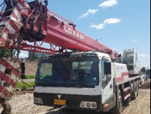 雷萨2012年11月25吨吊车