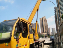 转让徐工2011年12吨吊车