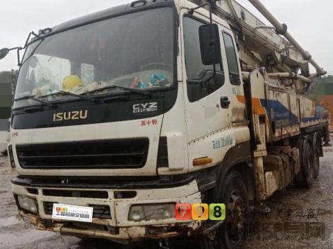 出售2011年中联五十铃47米泵车(三桥叉腿)