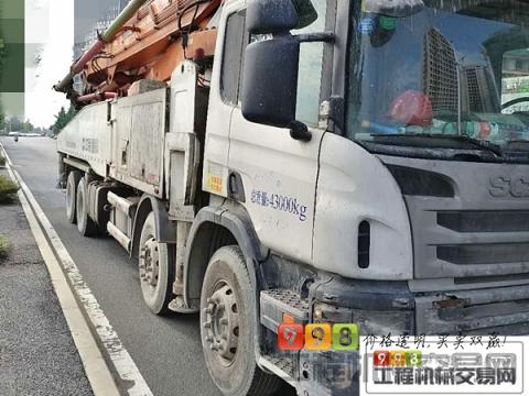 出售13年中联斯堪尼亚52米泵车