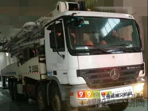 终端出售09年出厂中联奔驰49米泵车
