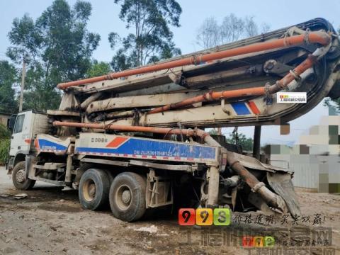 车主急售10年出厂中联奔驰40米泵车(一口价)