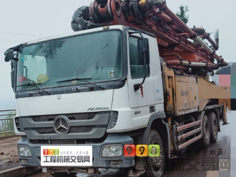 精品出售13年三一奔驰48米泵车(6节臂)