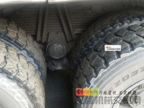 车主出售14年重汽豪沃大18方搅拌车(国四)