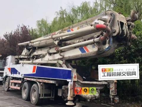 出售12年5月中联奔驰47米泵车