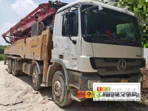 极品车直售2012年出厂三一奔驰底盘52米泵车(黑转塔+叉腿+大排量)