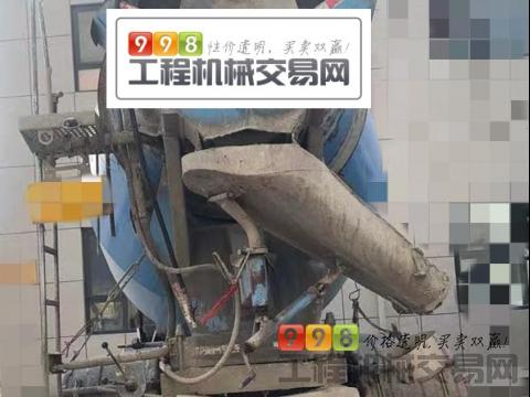 出售17年6月徐工豪沃10方搅拌车(国五)