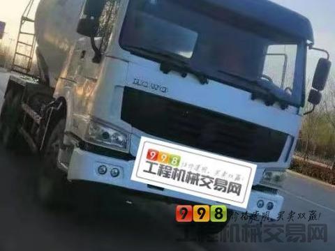 车主出售14年豪沃大12方搅拌车(国四4台带营运证  新疆车)