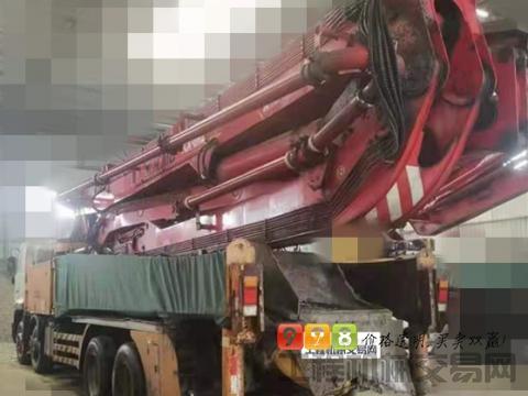 精品出售13年6月徐工日野52米泵车(六节臂+原东北车)