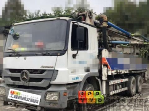 精品出售11年中联奔驰38米泵车<5节臂>