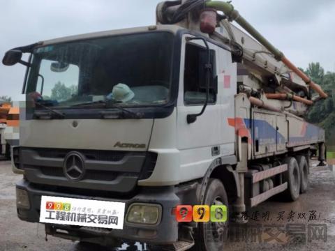 精品出售11年7月中联奔驰47米泵车(大排量+双主油泵)